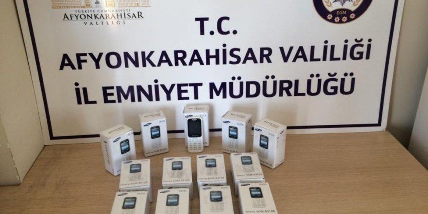 15 adet kaçak cep telefonu ele geçirildi