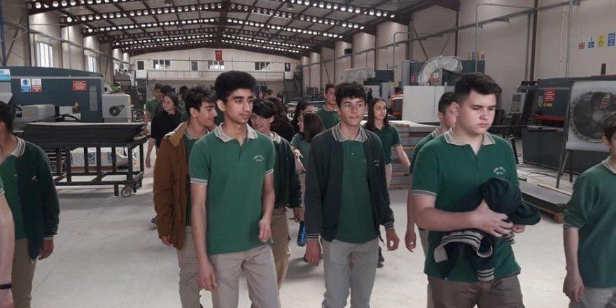Foça'da öğrenciler, açık cezaevindeki işletmeleri gezdi
