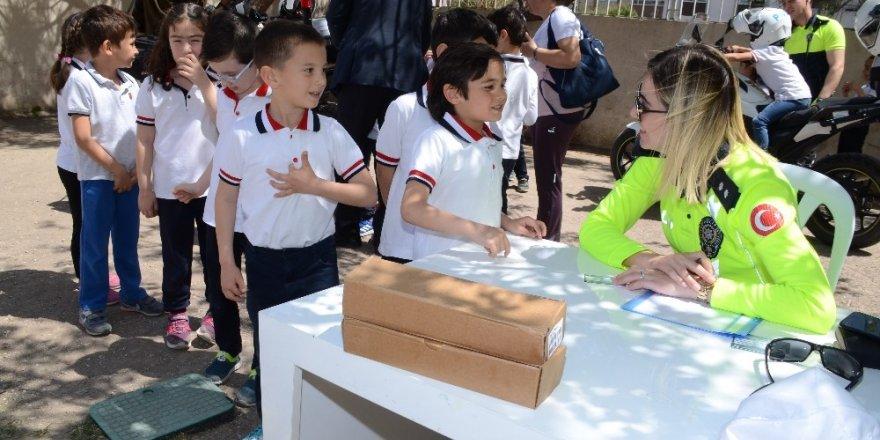 Çocuklar Polis motoruna hayran kaldı