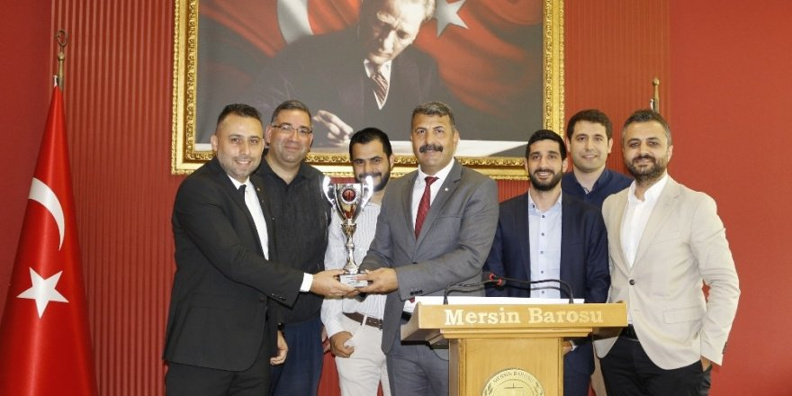Mersin Barosu Basketbol Takımı, Türkiye ikinciliği kupasını törenle aldı