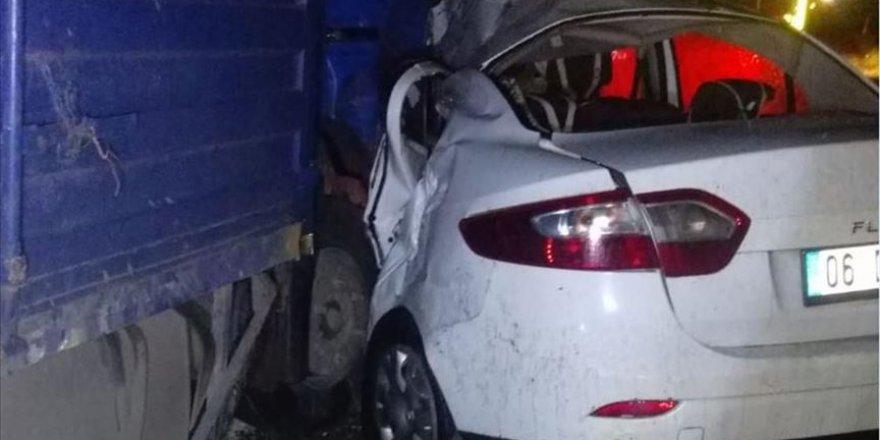 Batman'daki trafik kazasında 6 kişi yaralandı 50 koyun telef oldu