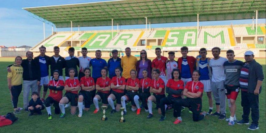 Konya Spor Lisesi başarıdan başarıya koşuyor