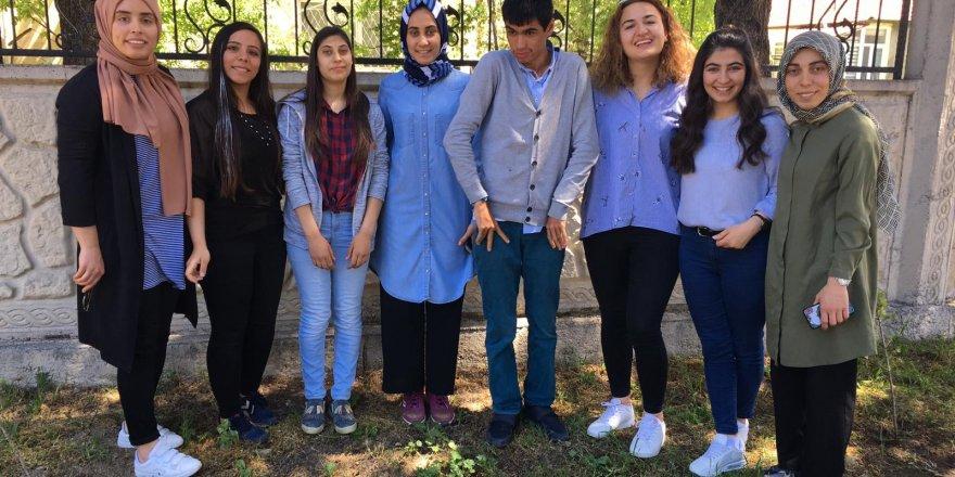 Engelli öğrenciler  30 sedir fidanını toprakla buluşturdu