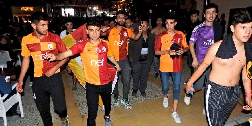 Galatasaray kafilesi, Sivas'ta