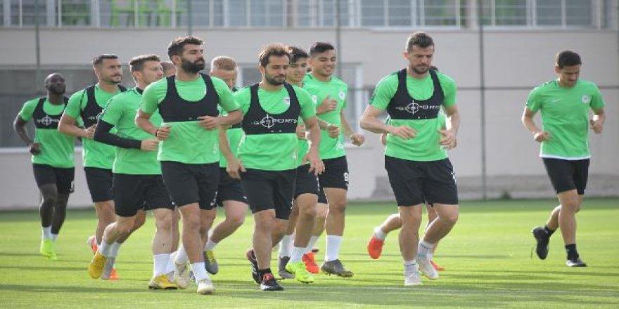 Konyaspor Akhisar mesaisine başladı