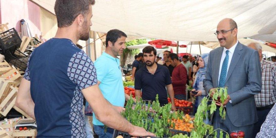 Kaymakam Aydın'dan pazar esnafı ziyareti