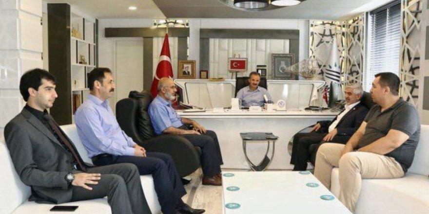 Yeni Dünya Vakfı yönetimi Başkan Kılınç ile bir araya geldi