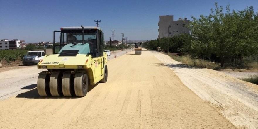 Adıyaman Belediyesi altyapısı tamamlanan noktaları asfaltlıyor