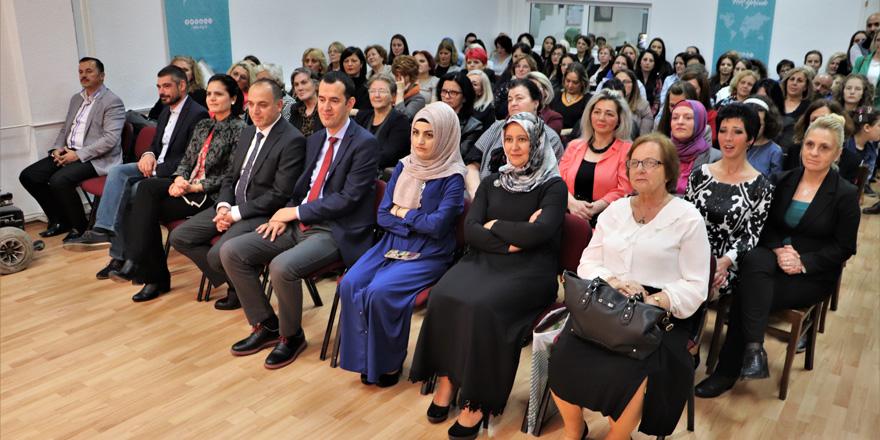 Kosova'da KOMEK kursları sergisi açıldı