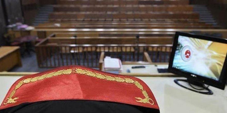 FETÖ'den yargılanan eski askeri hakime hapis cezası!
