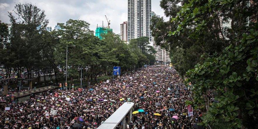 ABD'ye Hong Kong'daki protestolarda 'ihtiyat' uyarısı