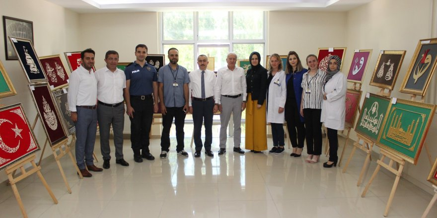 Bozkır'da Halk Eğitim Merkezi ve KOMEK'in yıl sonu sergisi açıldı