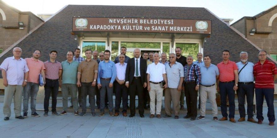Belediye Başkan Yardımcısı Ersan Erkut, muhtarlarla bir araya geldi