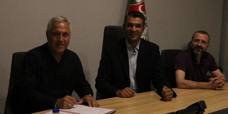 Kırşehir Belediyespor, teknik patron Ercümend Hülakü Coşkundere ile yollarını ayırdı