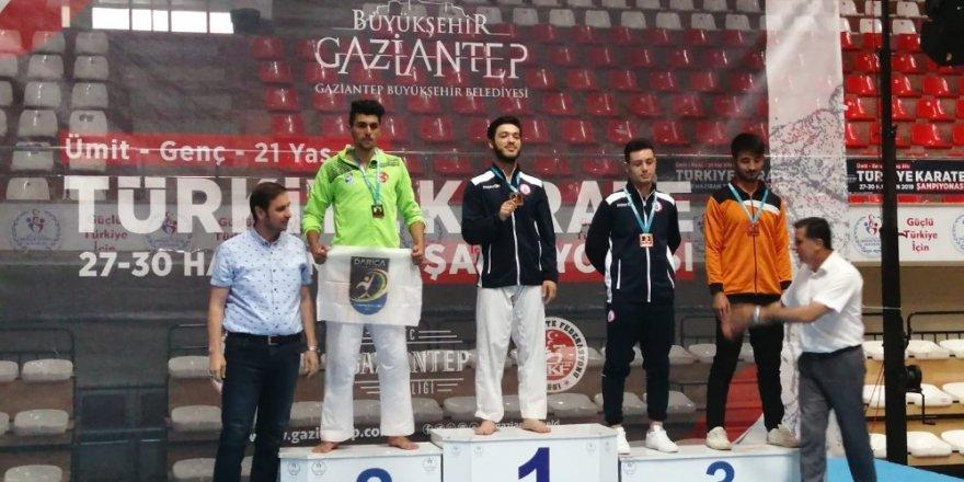 Darıca'lı karateciler 6 madalya ile döndü