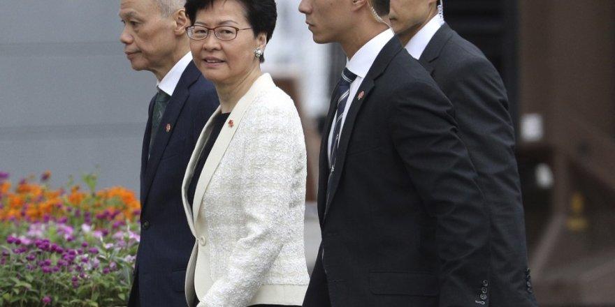 Hong Kong lideri Lam meclisi basan göstericileri kınadı