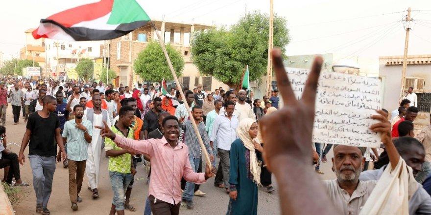 Sudan'da göstericilere 14 Temmuz'da sivil itaatsizlik çağrısı