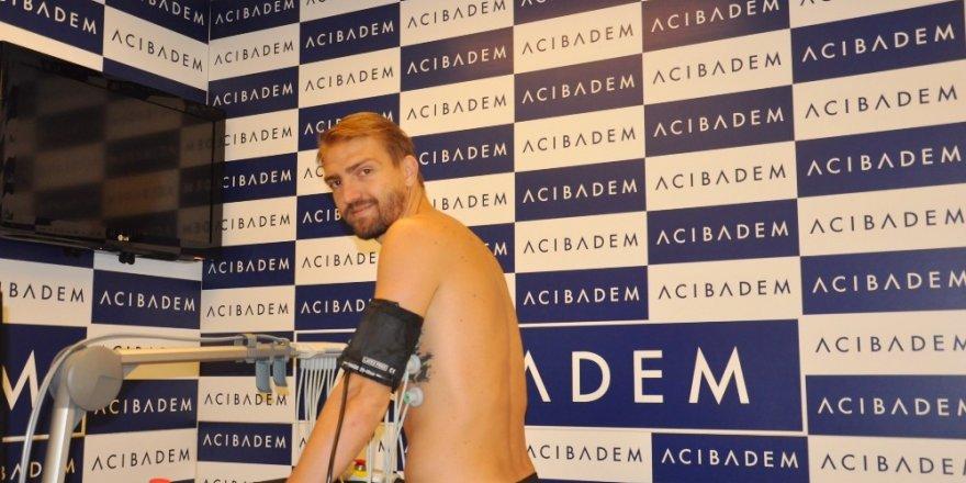 Beşiktaş'ta Caner Erkin ve teknik ekip sağlık kontrolünden geçti