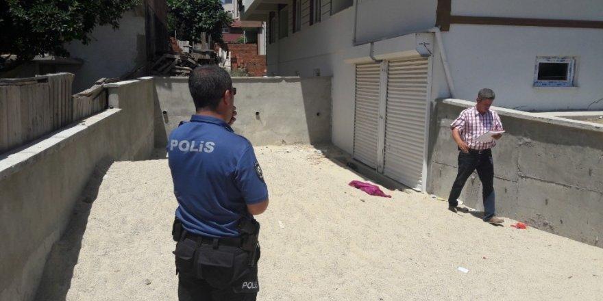 Bahçedeki duvardan düşen minik çocuk hayatını kaybetti