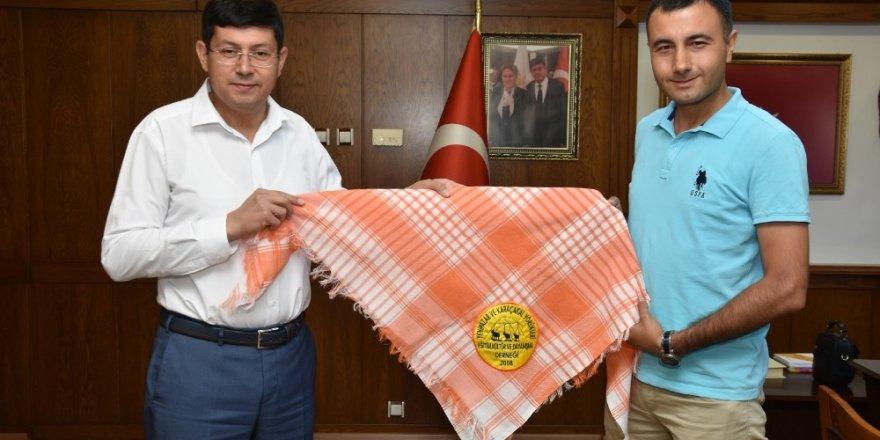 Yörüklerden Başkan Özcan'a ziyaret