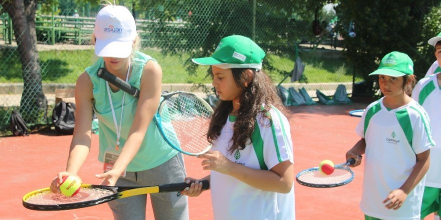 Çankayalı çocukların tenis merakı