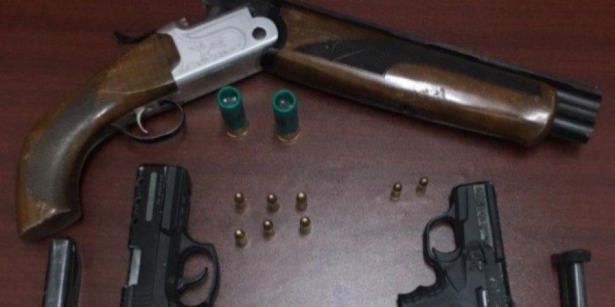 Ereğli'de iş yerinde silah bulunduran 3 şahıs gözaltına alındı