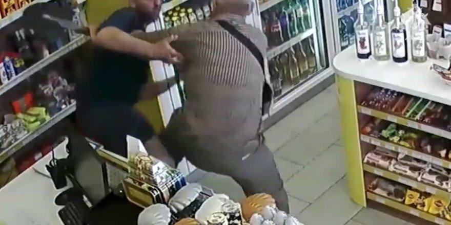 Rusya'da yaşlı adam kadını tecavüzden kurtardı
