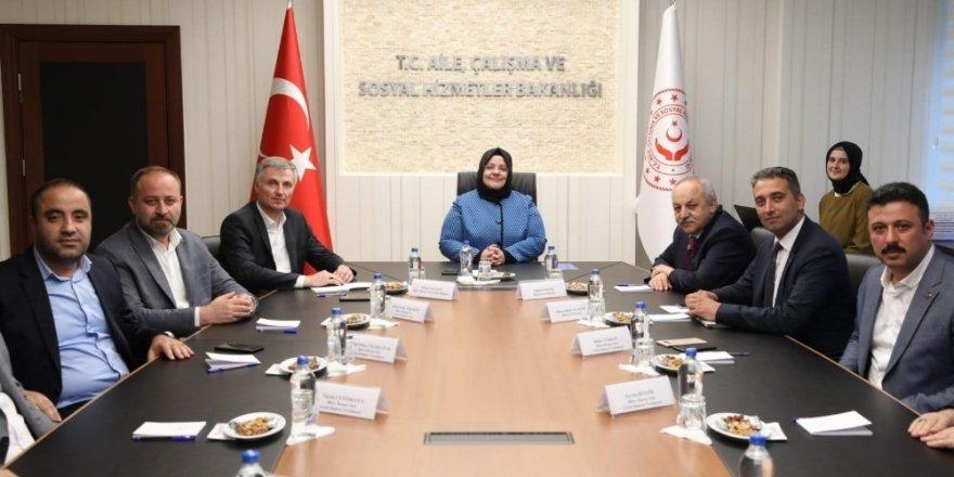 Büro Memur-Sen'den Çalışma Bakanı Selçuk'a ziyaret