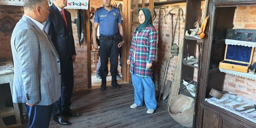 Vali Yazıcı, müze okulu ziyaret etti