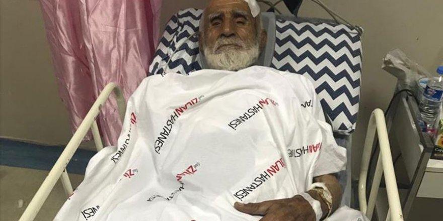 27 yıl sonra mezrasına dönen 82 yaşındaki adamı darbedip evini yaktılar