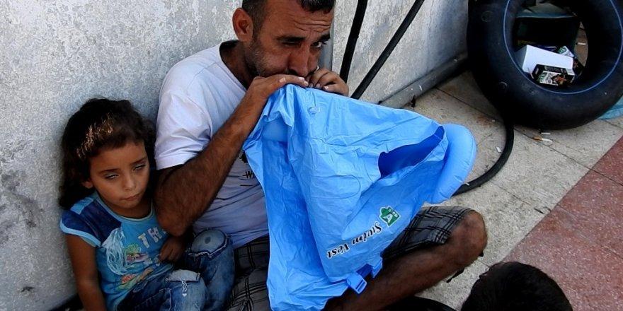 Çeşme'de 58 kaçak göçmen yakalandı