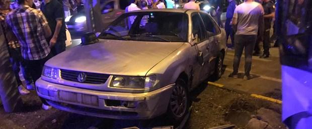 Trabzon'da minibüs ile otomobil çarpıştı: 1 ölü, 11 yaralı