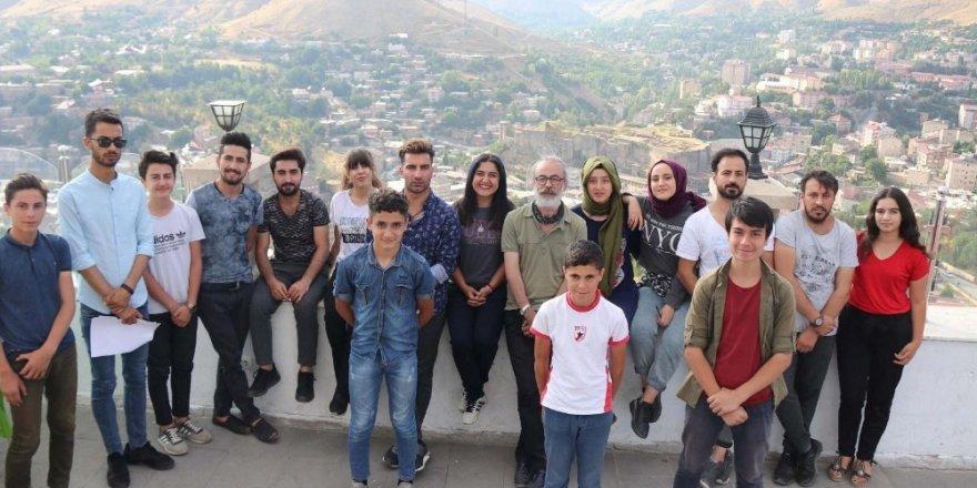 Bitlisli gençlere profesyonel tiyatro eğitimi