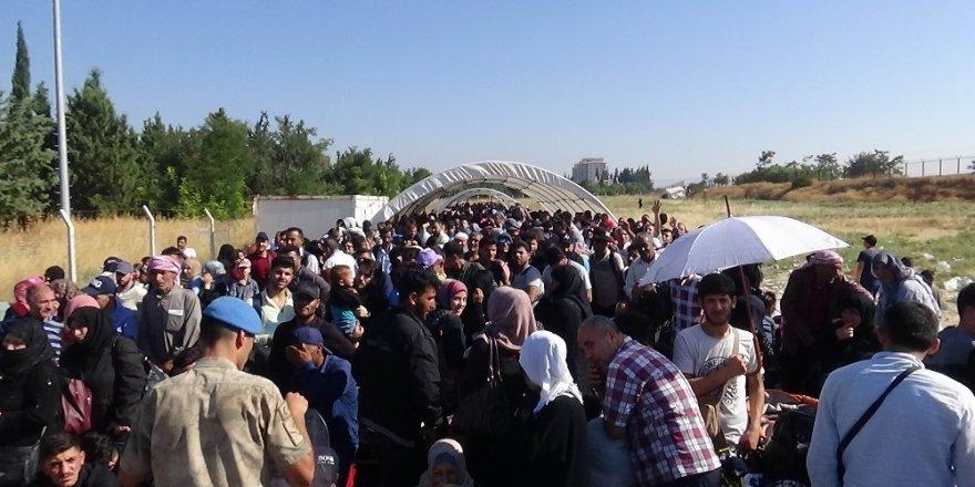 Suriyelilerin bayram yolculuğu sürüyor