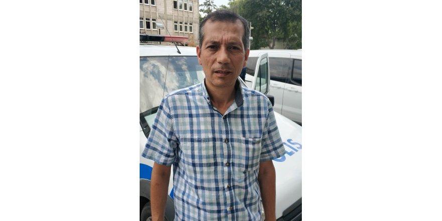 Polis memuru, sanatçı Mustafa Yıldızdoğan'a benzerliği ile dikkat çekiyor