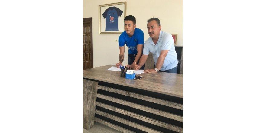 Karacabey Belediyespor 21 yaşındaki eski futbolcusunu yeniden transfer etti