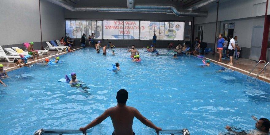 Özel çocuklara engelsiz havuz