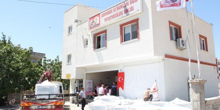 Üreticilere süt tankları teslim edildi