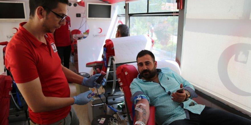 Minik Nehir ile ihtiyaç sahipleri için kan ve kök hücre bağışı