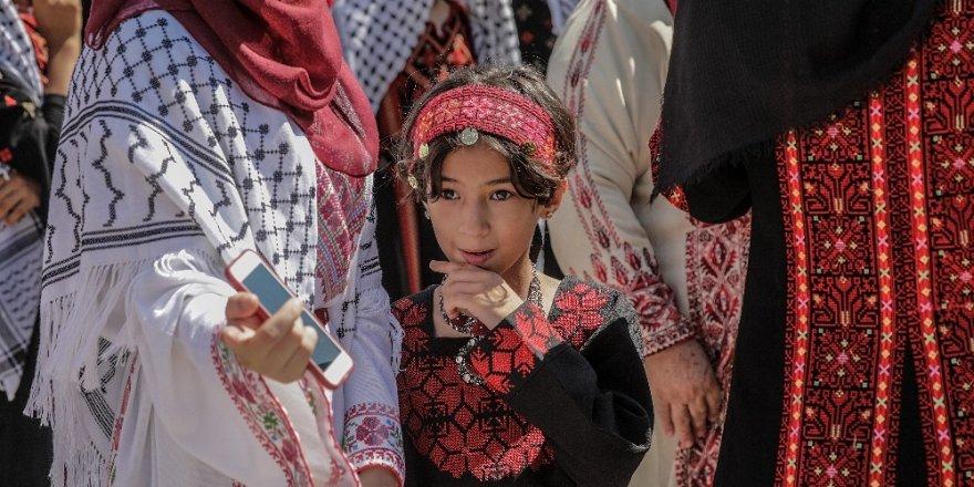 Gazze'de Filistin Milli Giysiler Günü kutlandı
