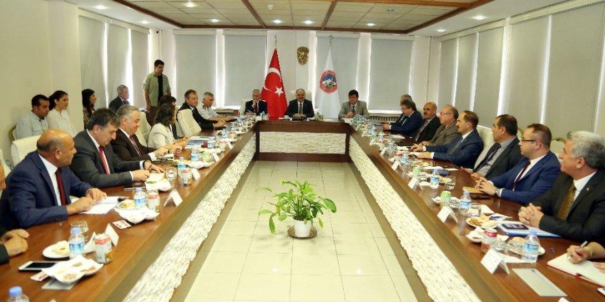 İl İdare Şube Başkanları Toplantısı Vali Günaydın Başkanlığında Yapıldı