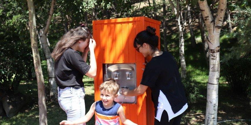 Parklara su sebili hizmeti