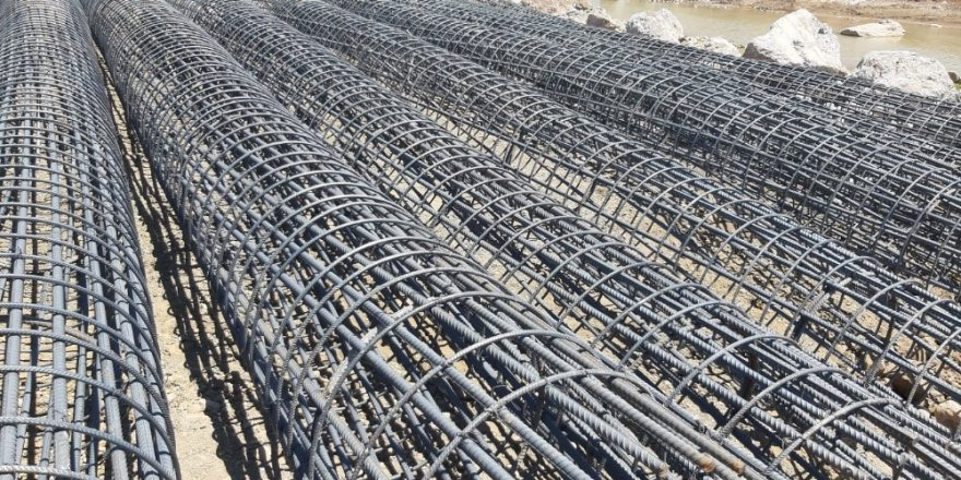 Kilis'te 12 köyün Musabeyli ile Gaziantep'e bağlanacak köprünün yapımı başladı