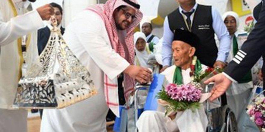 Kral Selman'ın hacca davet ettiği 130 yaşındaki Endonezyalı Mekke'de