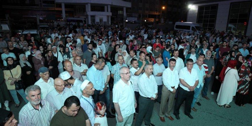 Başkan Büyükgöz Hacı adaylarını uğurladı