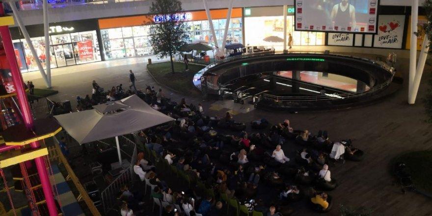 41 Burda açık hava sinema günleri  devam ediyor