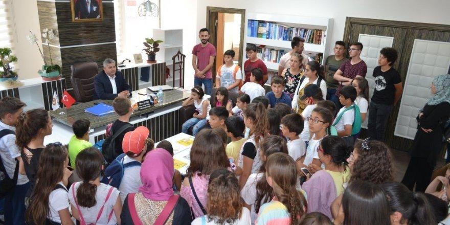 TÜGVA'lı çocuklardan Başkan Altun'a ziyaret