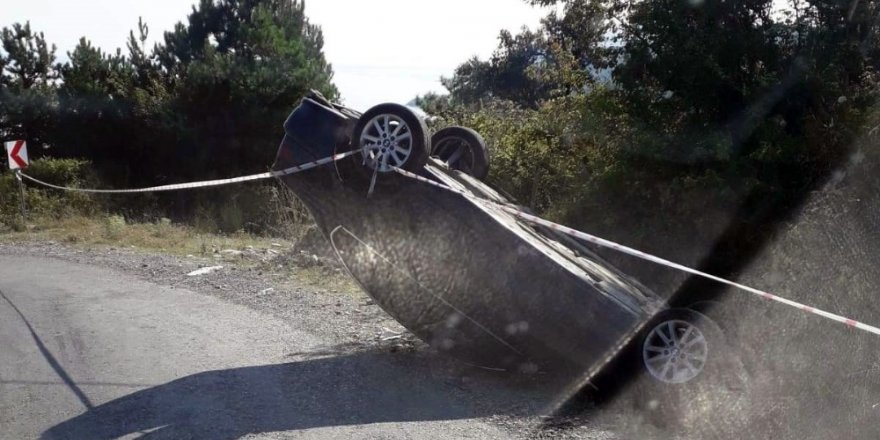 Türkeli'de otomobil takla attı: 1yaralı