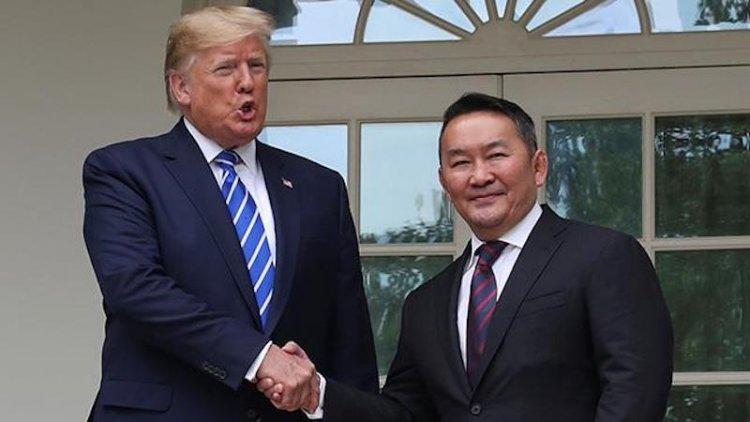 Trump, Moğolistan Cumhurbaşkanı Battulga ile görüştü
