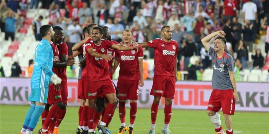 Yenilenen Sivasspor göz doldurdu